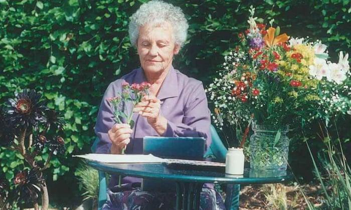 Marjorie Blamey Sang Pelukis Bunga Liar